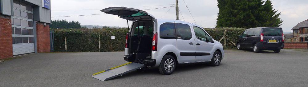 Photo To Show Wheelchair Access Into Car