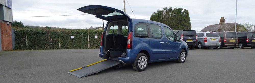 Photo To Show Car To Take Wheelchair