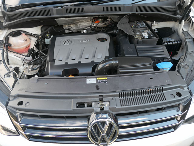 Mobility Nationwide   Used Wheelchair Accessible Vehicles   VW Sharan engine bay