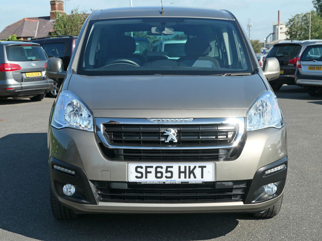 Mobility Nationwide | Used Wheelchair Accessible Vehicles | Peugeot Partner front