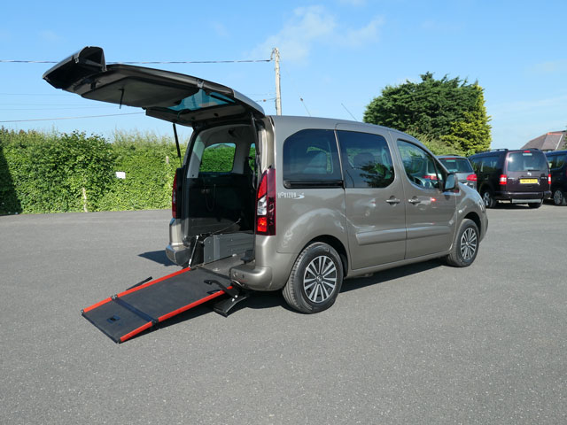Mobility Nationwide | Used Wheelchair Accessible Vehicles | Peugeot Partner ramp side view