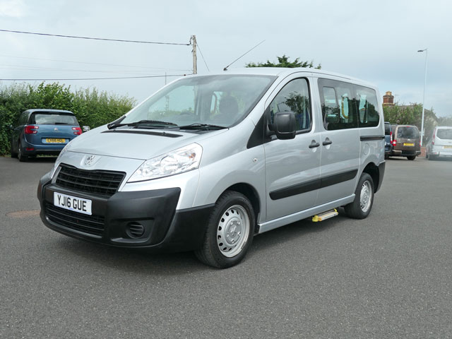 Mobility Nationwide | Used Wheelchair Accessible Vehicles | Peugeot Expert front side