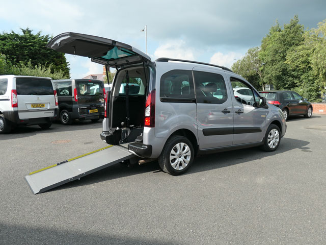 Mobility Nationwide   Used Wheelchair Accessible Vehicles   Berlingo side view ramp