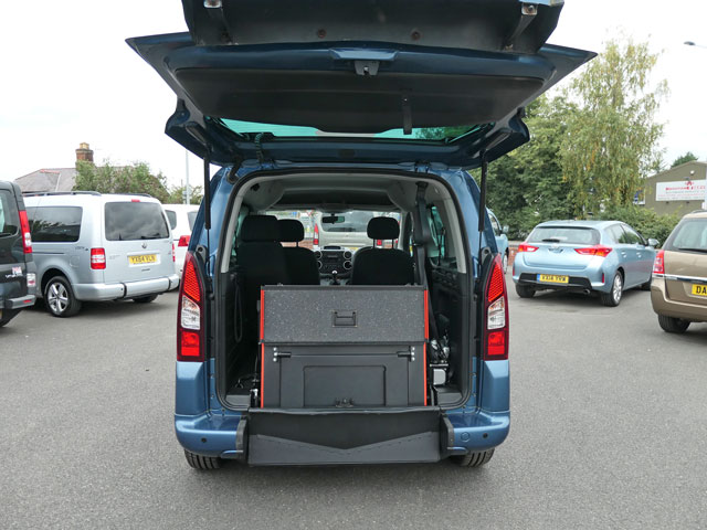 Mobility Nationwide | Used Wheelchair Accessible Vehicles | Peugeot Partner ramp stowed