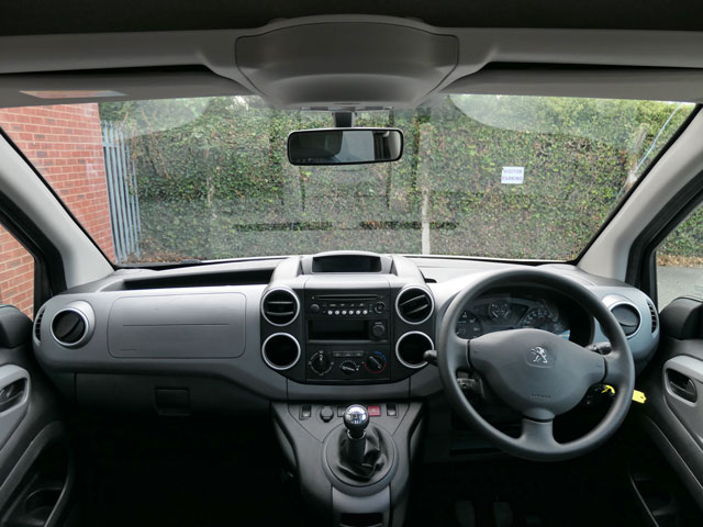 Mobility Nationwide   Used Wheelchair Accessible Vehicles   Peugeot Partner view from wheelchair location